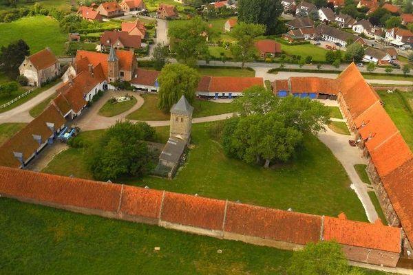 Vue aérienne de la ferme de l'Abbaye de Clairmarais