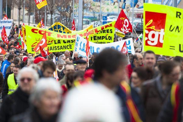 La CGT et FO, ainsi que la FSU, Solidaires et l'UNEF ont appelé à une manifestation, mardi matin, à Clermont-Ferrand pour dire leur opposition au projet de loi sur la sécurisation de l'emploi.