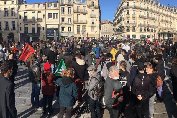 Plusieurs centaines de personnes se sont réunies à Montpellier ce samedi.