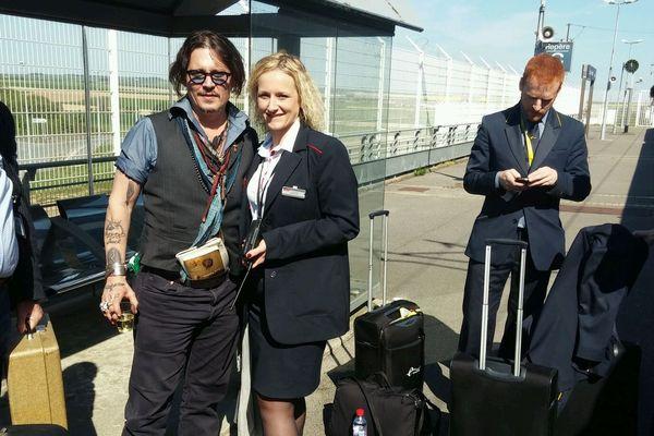 Le personnel de l'Eurostar et de la SNCF a pu prendre quelques photos aux côtés de Johnny Depp.