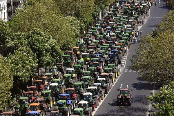 Manifestation des agriculteurs à l'appel de la FNSEA à Paris, le 27 avril 2010, pour protester contre la politique agricole européenne (illustration).