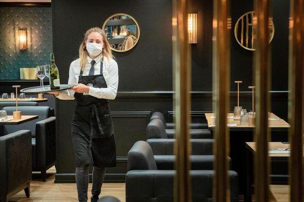 Le secteur de la restauration est habituellement l'un des plus gros pourvoyeurs de jobs d'été.