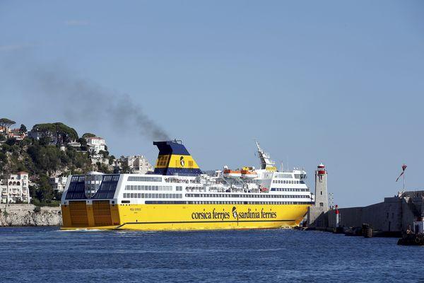 La compagnie maritime Corsica Ferries est touchée par le Covid-19.