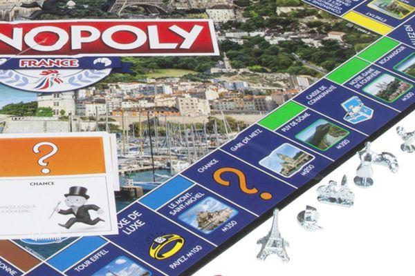 Une nouvelle édition du Monopoly met à l'honneur 28 lieux français remarquables. Le Puy de Dôme et Notre-Dame de Fourvière sont des cases qui coûteront très chers aux joueurs.
