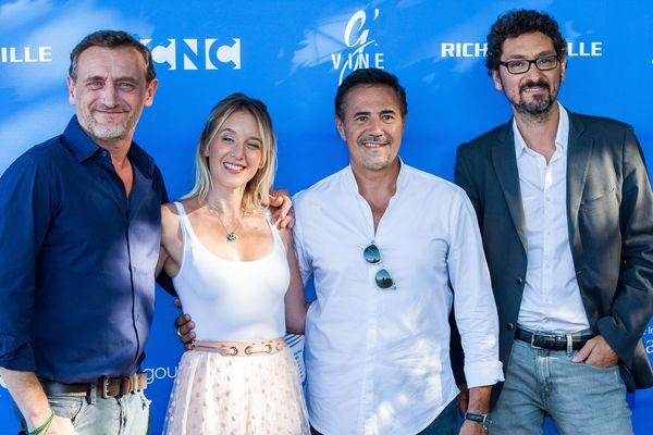 """Jean-Paul Rouve et l'équipe du film """"Lola et ses frères"""" à l'ouverture du Festival du Film Francophone d'Angoulême le 21 août 2018."""