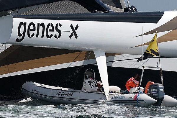 Accident entre le maxi-trimaran Spindrift 2 et un canot de l'organisation de la Volvo Ocean Race au départ de Lorient