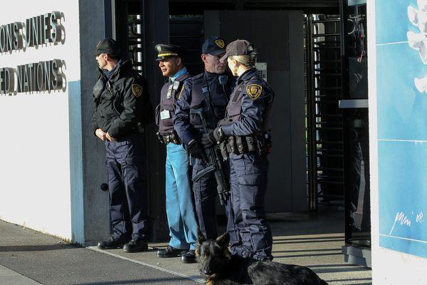 Les forces de l'ordre protègent les bâtiments sensibles dont le site de l'ONU à Genève