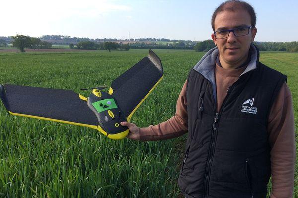 Avec son drone Jean-Baptiste Scheuer va conseiller les agriculteurs sur la fertilisation de leurs cultures