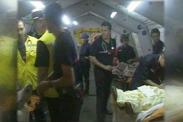 Roquemaure (Gard) - les secours avec les victimes de l'accident de car - 10 juillet 1995.