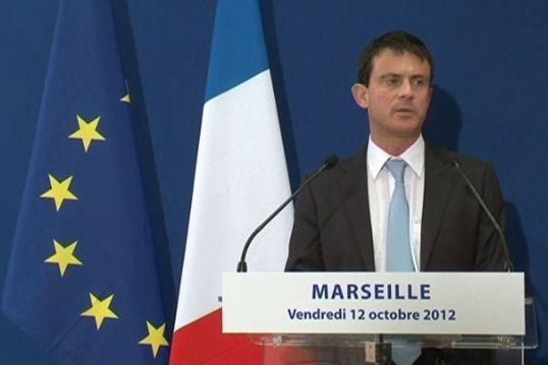 Le ministre de l'intérieur, Manuel Valls , lors d'une visite à Marseille