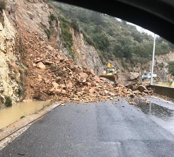 Éboulement sur la route de Rasguières, dans les Pyrénées-Orientales, ce jeudi
