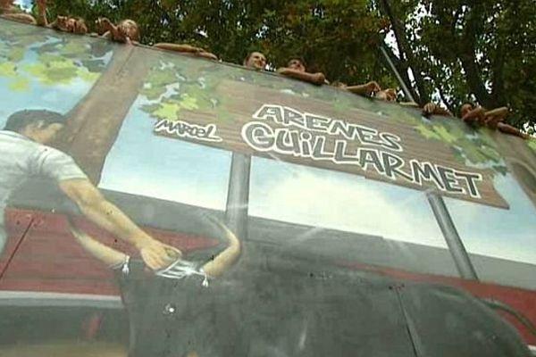 Les jeunes de la petite Camargue se mobilisent pour préserver les festivités bouvines. Août 2015.