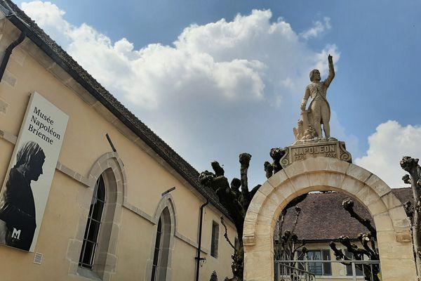 Un lien étroit s'est tissé entre Napoléon Bonaparte et la ville de Brienne-le-Château, dans l'Aube