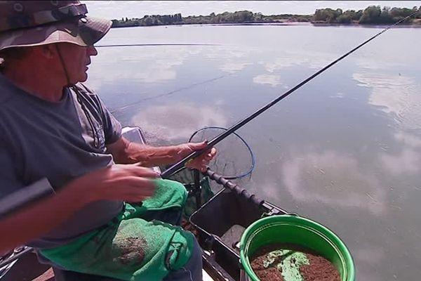 Le championnat de France de pêche à coup avait lieu le week-end des 11 et 12 août au lac du Val-d'Auron, à Bourges.
