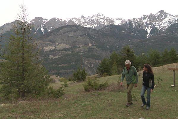 Laurence et Bernard, seuls aux monde dans la montagne
