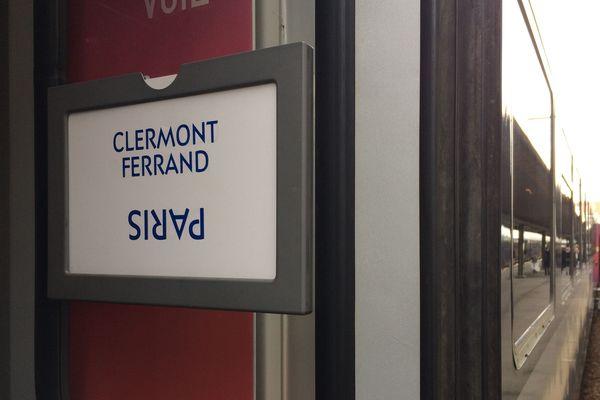 Seuls deux allers-retours entre Clermont-Ferrand et Paris sont prévus dans la journée du mercredi 11 décembre.