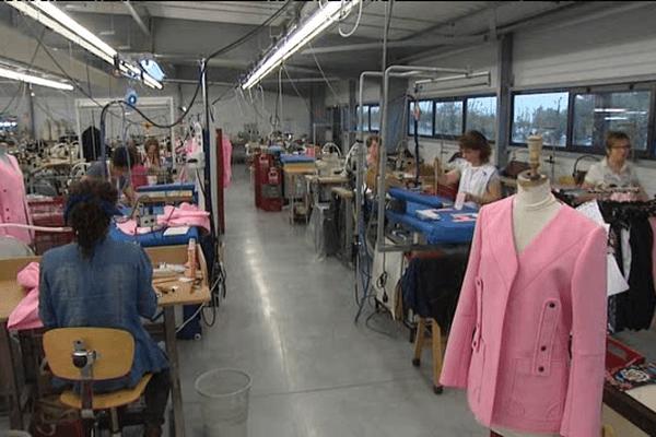 A condé-sur-Vire, l'unité SLS Couture du groupe Grandis est issue du regroupement de deux ateliers et emploie une centaine de personnes