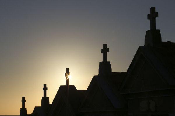 Les croix du cimetière chrétien d'Ajaccio