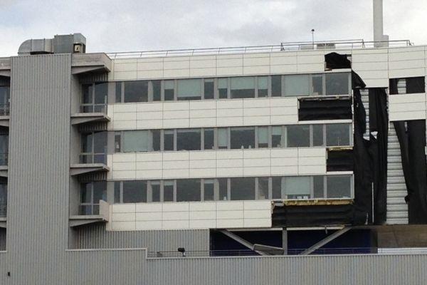 Une partie du bâtiment s'est envolée