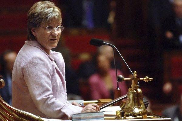 FRANCE, Paris : la vice-présidente (PS) de l'Assemblée Paulette Guinchard, préside le 08 mars 2005 à Paris, la séance des questions au gouvernement à l'occasion de la Journée internationale des femmes.