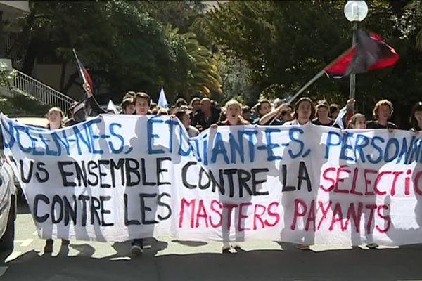 Les manifestants disent non aux masters payants au sein de l'Université Nice-Sophia-Antipolis.