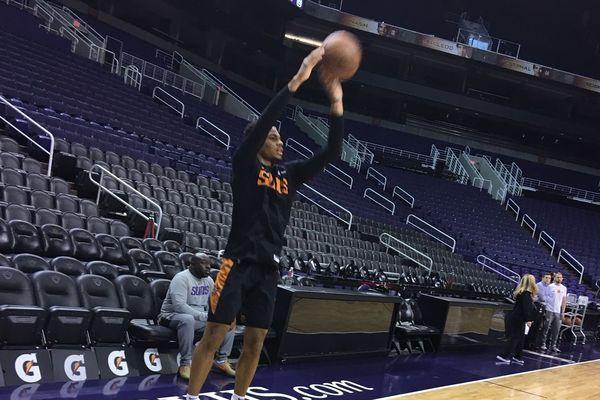 Elie Okobo à l'entraînement avec les Phoenix Suns