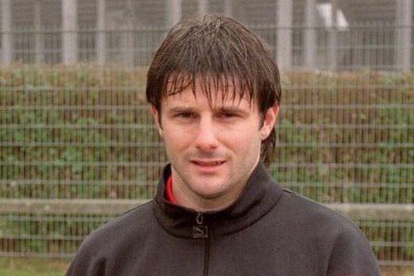 Christophe Robert footballeur de Valenciennes en 1993, condamné en 1995 à six mois de prison avec sursis et 763 euros d'amende, dans l'affaire du match truqué Valenciennes-Marseille.