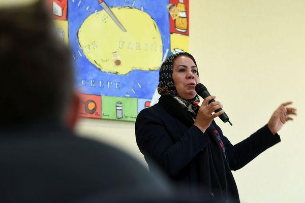 Latifa Ibn Ziaten, la mère d'Imad Ibn Ziaten, lors de son intervention dans un collège en Alsace, en janvier 2017.
