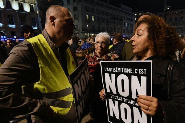 19/02/2019 - A Marseille, 1.500 personnes se sont rassemblées contre l'antisémitisme.
