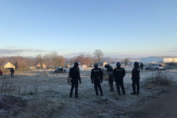 Fin de la rave party à Lieuron, le samedi 2 janvier 2021 matin