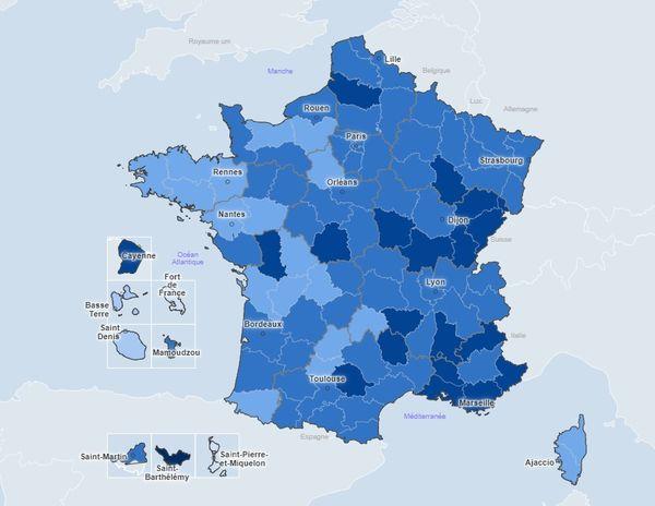 En bleu foncé, les départements où le taux d'incidence est le plus élevé.