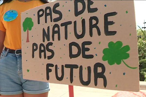 Pancarte dans la manifestation des lycéens pour le climat à Nîmes le 20 septembre 2019