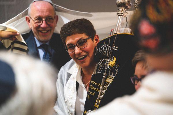 La Rabbin Daniel Touati met en place des offices via visioconférence pour Roch Hachana