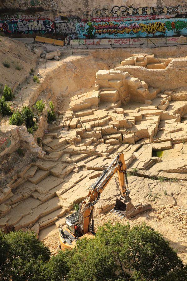 La Pelleteuse en pleine action sur le site antique !