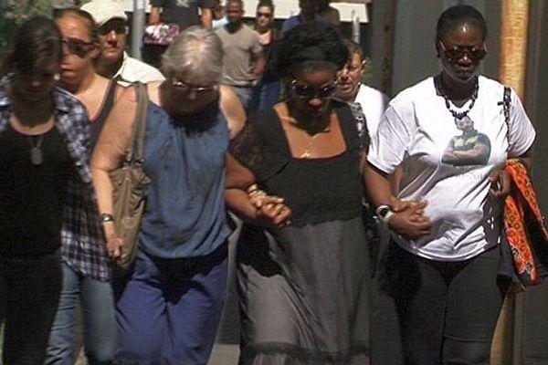 Montpellier - marche blanche en mémoire de Sébastien Thomis, 24 ans, tué lors d'une fusillade - 31 août 2014.