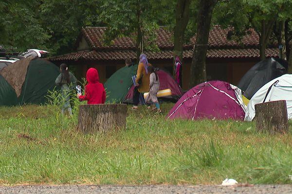 Gard - Un groupe de 80 personnes venu de Belgique s'est installé dans le camping d'Avèze - 4 août 2021