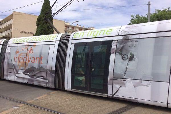 Montpellier - un tramway - 2016.