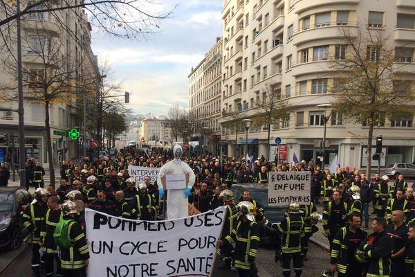 Les pompiers manifestent dans les rues de Lyon - 5/11/18 - (avenue Berthelot)