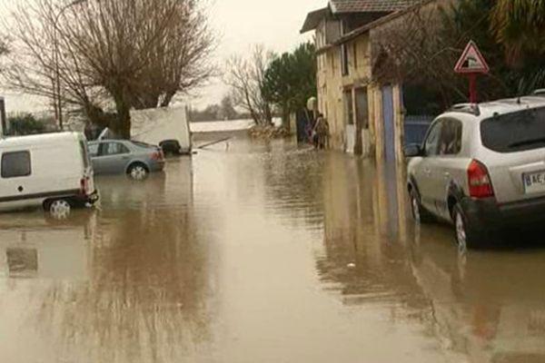 La montée des eaux a eu lieu en quelques minutes, selon les habitants.