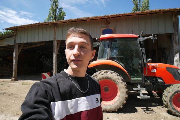 Lot - Bastien Couture se filme et montre le quotidien du monde agricole. Mai 2021.