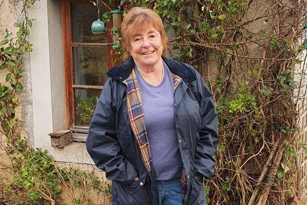 La Britannique Alison Monks-Plackett vit à Pillemoine dans le Jura où elle est depuis 2014 conseillère municipale.