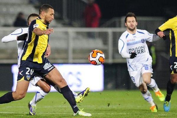 L'Auxerrois Frédéric Sammaritano lors du match Aja/Arles-Avignon qui s'était soldé par un nul (1 partout) le 10 janvier 2014