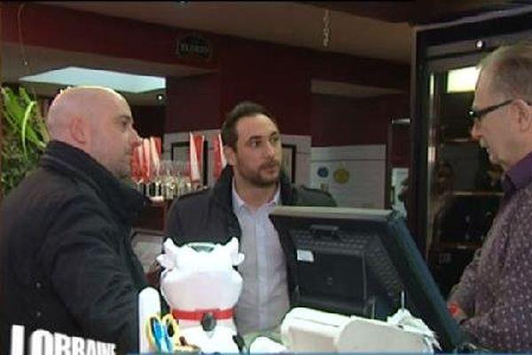 Sébastien et Romuald, gérants associés, rencontrent un restaurateur, lui-même franchisé.