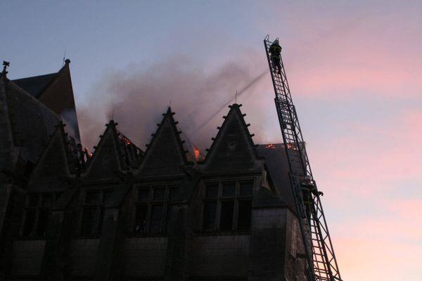 Le logis royal du château d'Angers incendié le 10 janvier 2009