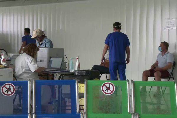 Des dépistages Covid gratuits ont lieu tous les jours à l'aéroport de Bordeaux-Mérignac depuis le 23 juillet.