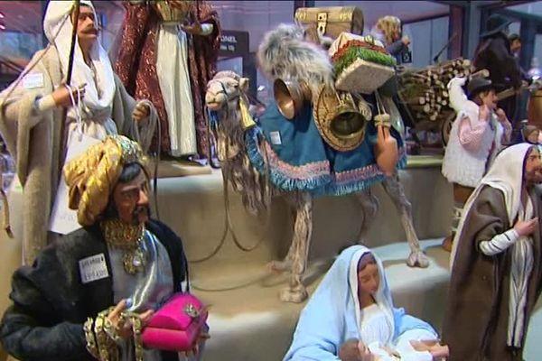 La 33ème foire aux santons de Mouans-Sartoux se déroule à la Médiathèque-La Strada jusqu'au 24 décembre
