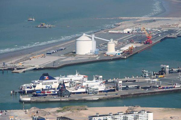 Un couple a été interpellé en flagrant-délit dans le port de Calais.