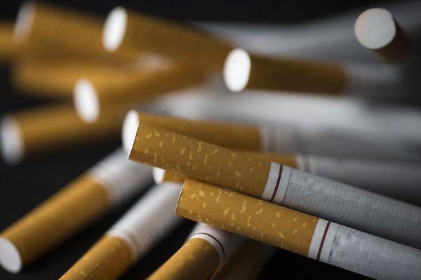 Le confinement a permis aux buralistes des Alpes-Maritimes d'enregistrer une hausse spectaculaire de leur chiffre d'affaires avec l'achat de cigarettes.
