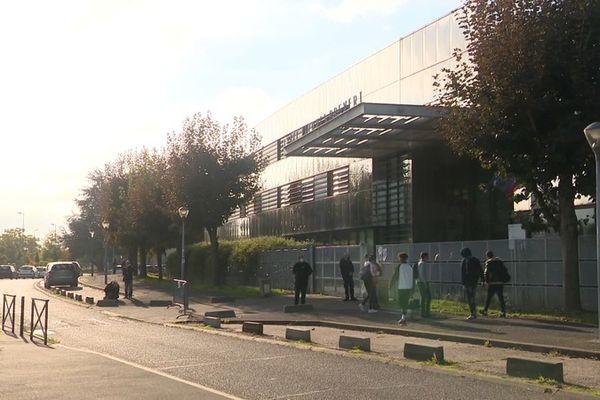 Une enseignante a été violemment bousculée dans ce lycée de Combs-la Ville en Seine-et-Marne.