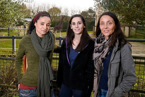 """De gauche à droite : Lamya Essemlali, Lorane Mouzon et Perrine Crosmary, co-présidentes du groupement d'ONG """"Rewild"""" au Zoo de Pont-Scorff, en décembre 2019 au moment de la création de Rewild."""